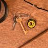 Kép 2/2 - HARRY POTTER 3D Platform 9 3/4 kulcstartó 4 cm