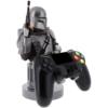 Kép 2/2 - Star Wars The Mandalorian Mando Fejvadász telefon és konzol kontroller tartó figura töltéshez 20 cm