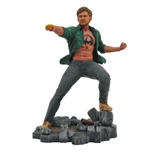 MARVEL Gallery Netflix Iron Fist Vasököl szobor 23 cm