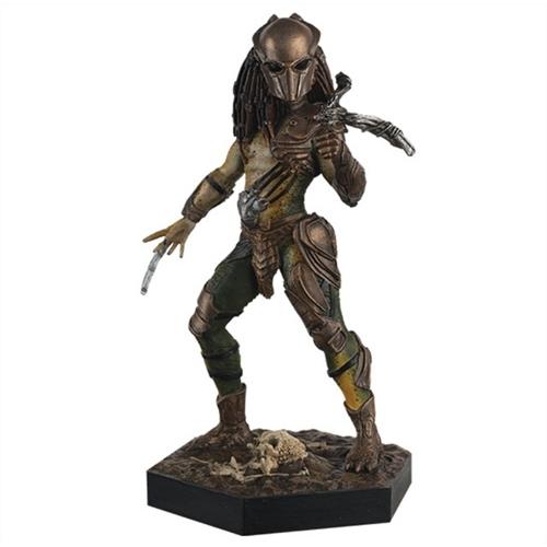 Predators - Ragadozók - Falconer Predator szobor