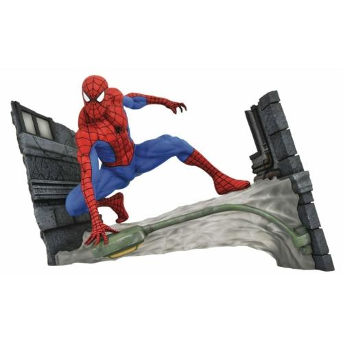 Marvel Comic Gallery PVC Statue Spider-Man Webbing 18cm szobor