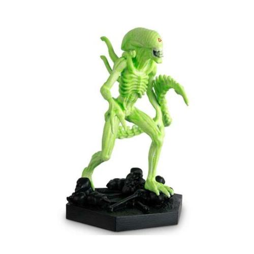 The Alien & Predator Figurine Collection 1/16 Vision Xenomorph 14 cm szobor