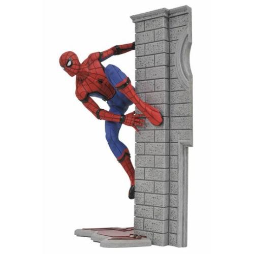 Spider-Man Homecoming Marvel Gallery Spider-Man Pókember szobor 25 cm