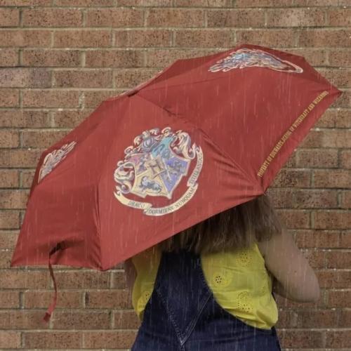 Harry Potter Hogwarts Roxfort nedvességre színváltós automata esernyő