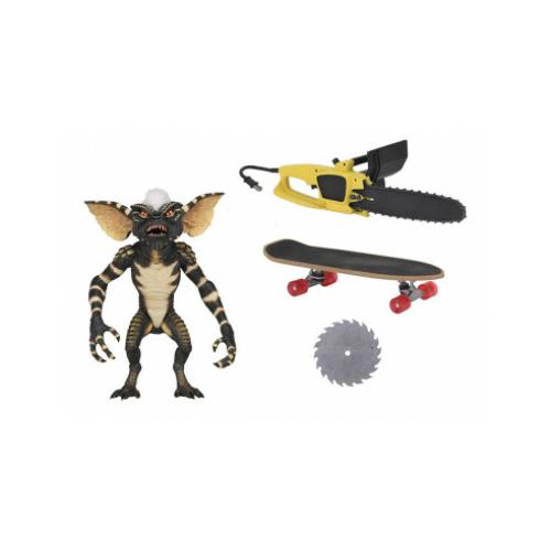Ultimate NECA Gremlins / Szörnyecskék - Ultimate Stripe Gremlin figura láncfűrésszel, gördeszkával, nyitható szájjal és extra-mozgatható végtagokkal 18 cm